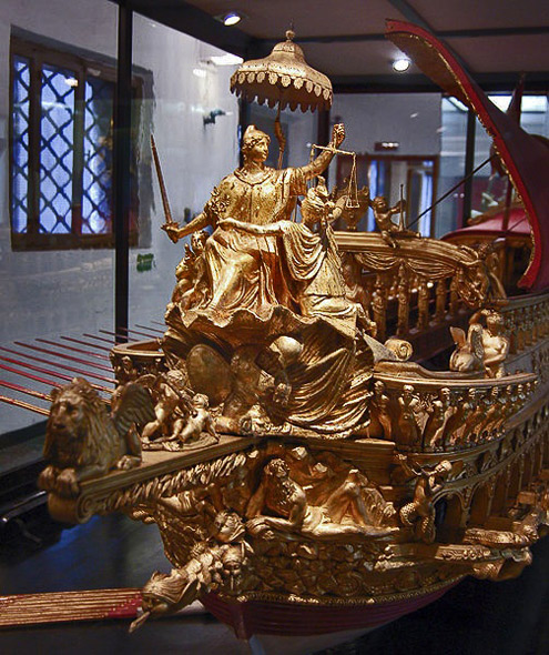 Venice-Museo-Storico-Navale.-Bucentaur,1331-Venice-(Italy).-State-barge-of-the-doges-of-Venice.