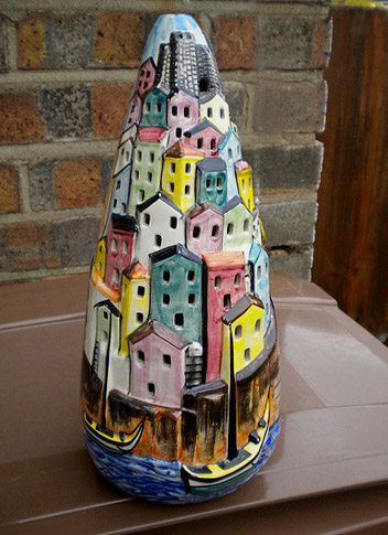 Italian vintage lamp - decorated with a collection of seaside houses on a hill