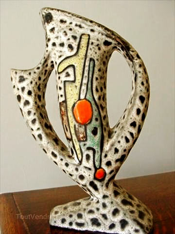 VALLAURIS---MARIUS-BESSONE-lava glaze vase
