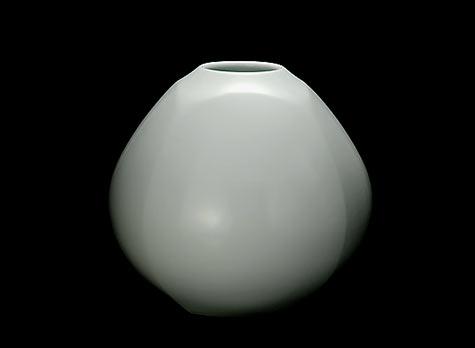 Maeta-Akihiro-porcelain-faceted-vase
