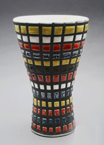 roger-capron flared geometric vase