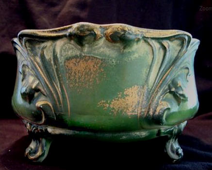 437px-352px-Faience-Ferner
