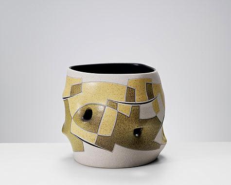 Gustavo-Pérez Vase-Sculpture2