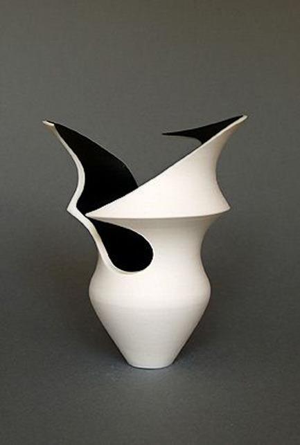 Pam Dodds sculptural vessel