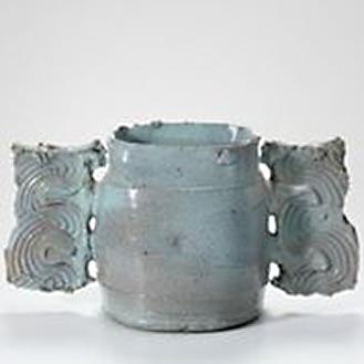 Colin Pearson pottery vessel