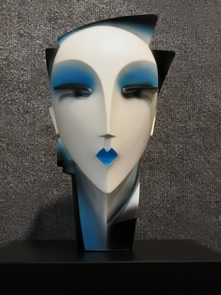 lindsey_b_white_blue_airbrush_myng_1980s_sculpture_1_large