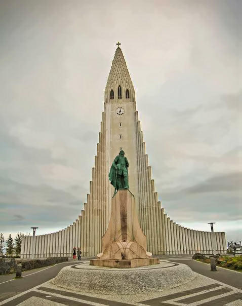 tower-stella-monument in Iceland