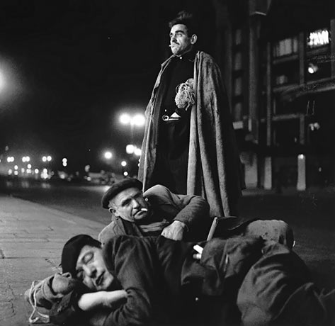 A pillow burlap, Paris 1952 Robert Doisneau three homeless men sleeping on the street