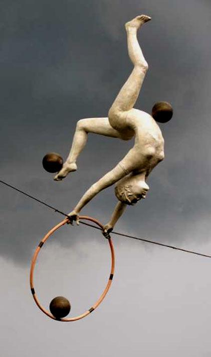 Jerzy Jotka Kędziora ceramic juggler sculpture