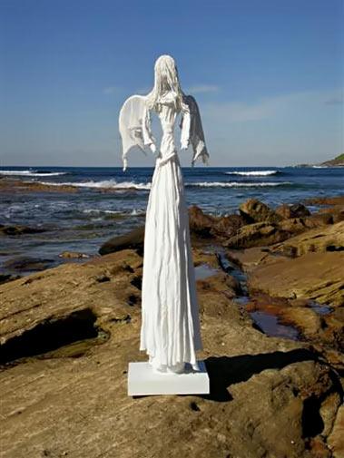 Chela O'Sullivan Paverol sculpture.