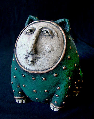 Spotted ceramic Greencat by Roman Khalilov