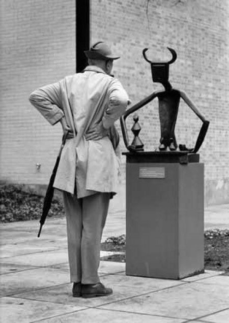 Jacques Tati at the museum and a Picasso sculpture