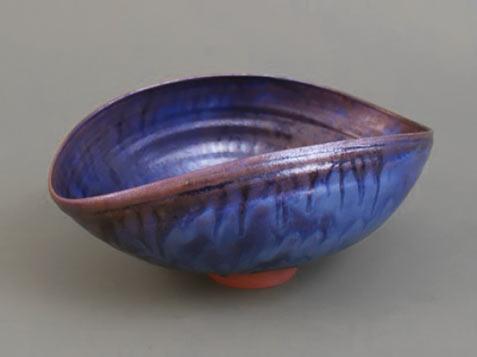 Mottled-Glaze-Ovoid-Crimped bowl