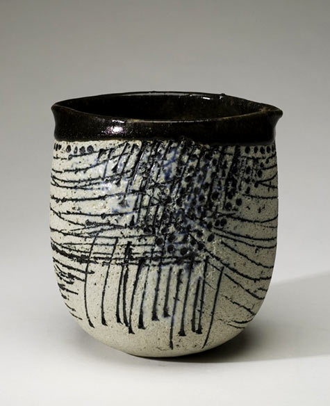 Vase with carved decoration Lisa Larson