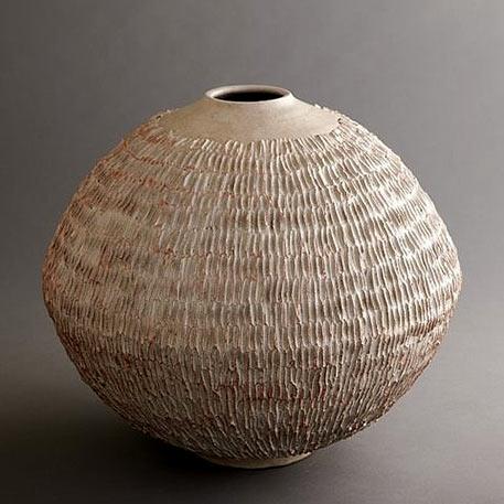 Large ceramic vessel wtih etched design