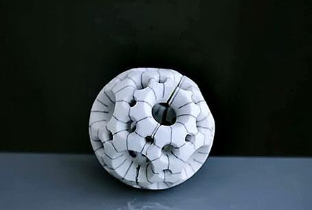 455px-306px-porcelainiaBobbyJaber