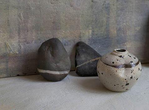 Rock vase Catherine White