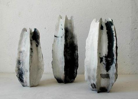 Three graduated urns