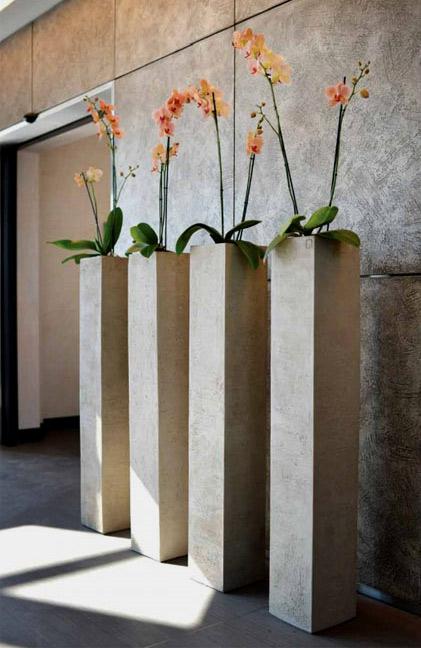 Gruppo Unipol - Bologna tall slender square garden planters by Atelier Vierkant