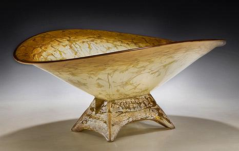 Paul Willsea glass centrepiece