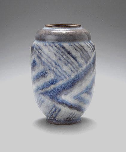 Around-1930-Vase---Zezschwi