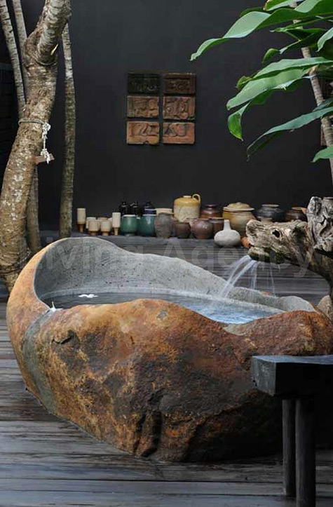 Stone bath tub by Errikos Artdesign