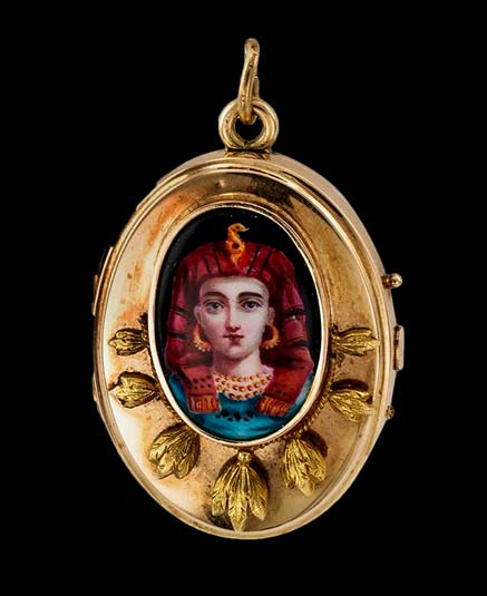 Victorian-Egyptian-Revival-gold Locket---1890 with pharaoh face