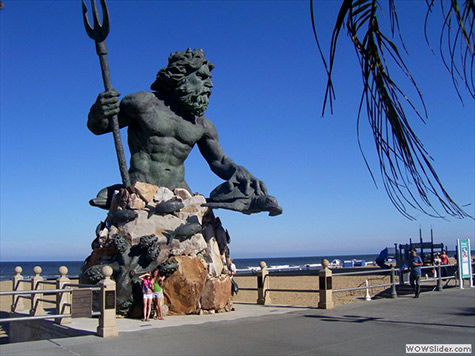 Huge King Neptune statue by Paul DiPasquale - Virginia Beach, USA