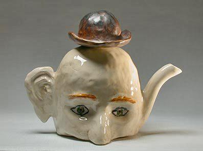 vincent-magritte_ceramic teapot