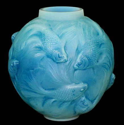 Lalique--Formose--Art-Deco-fish-vase-white-and-opalescent-glass…---French---Glass---Carter-s-Price-Guides-to-Antiques-and-Collectables