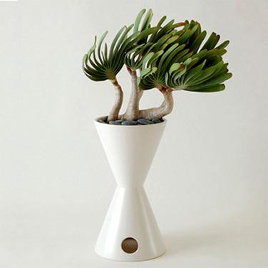 Hourglass Planter-1950 by LaGardo Tackett