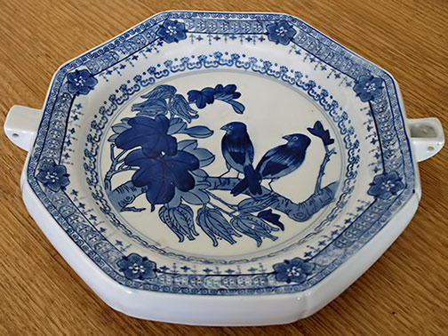 Chinese blue and white ceramic plate warmer