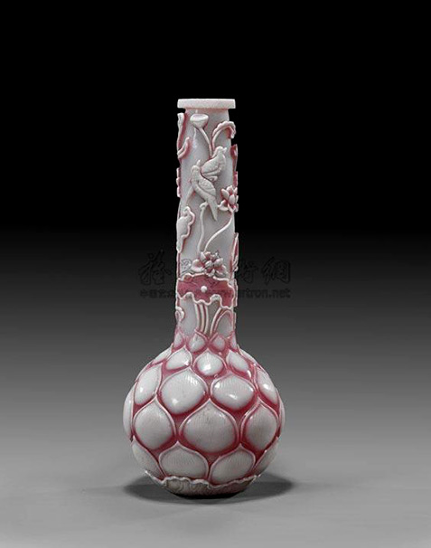 Unusual-and-delicately-executed,-Chinese-carved-Double-Pink-and-white-overlay-Beijing-glass-vase;