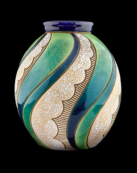 Art-Nouveau-vase,-made-in-Czechoslovakia-and-dating-from-around-1900
