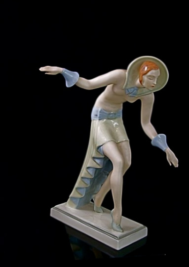 Art Deco pose figurine Royal-Dux--Geometric