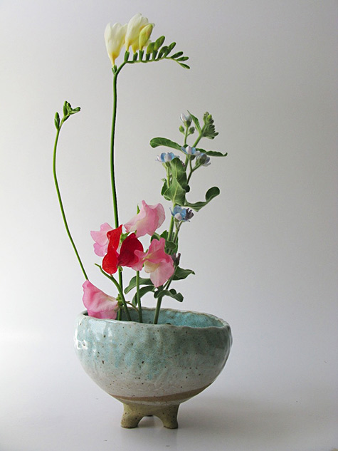 mrkitly.com.auShino Takeda leg planter without drainage holes - blue