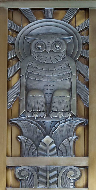 Owl-above-door-to-center-reading-room-on-fifth-floor.-Library-of-Congress-John-Adams-Building,-Washington,