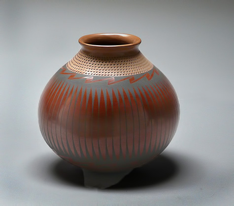 earthenware pot Amando Silverio
