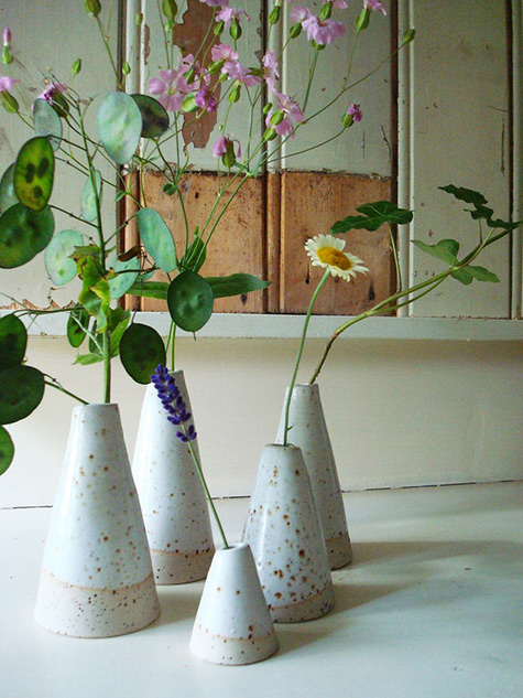 Little white ceramic vase LUKKILI-etsy by Margriet-Kramer