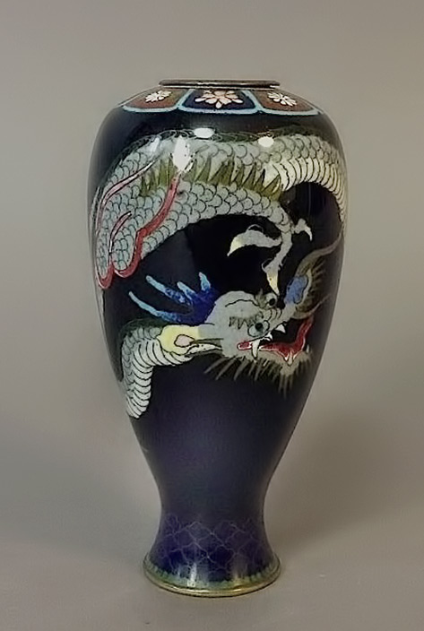 Cloisonne vase with Dragon design , 19th century