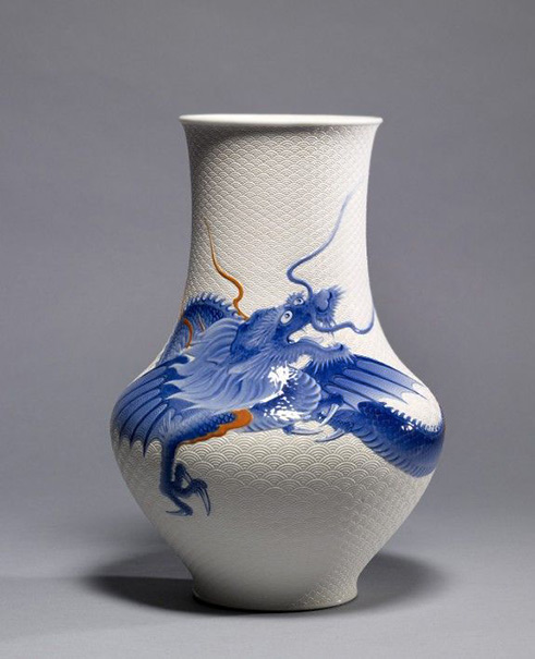 Vase-with-dragon-·-The Walters Art Museum