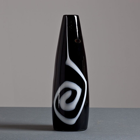 A-Deco-Style-Black-and-White-Murano-Vase