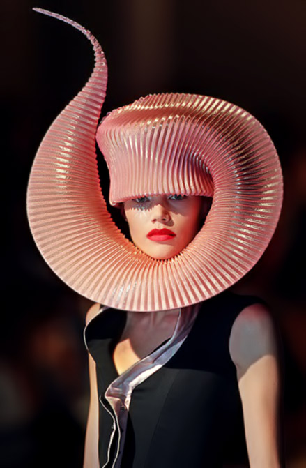 Philip_Treacy salmon pink flamboyant hat