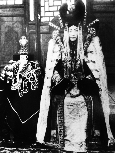 Mongolian-Princess in traditional costume