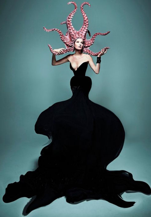 Ocopussi-Headpiece - Renata Litvinova in a photo shoot for the magazine SOBAKA.RU