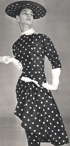 Paquin polka dot outfit L'Officiel magazine 1956.