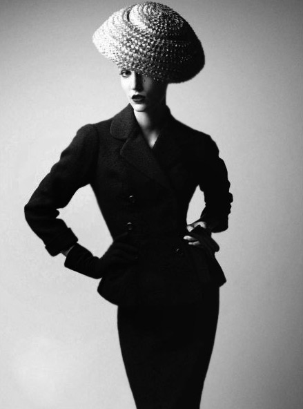 Photo-Patrick-Demarchelier-dior-book-2011-model-Dior-1954-Harper