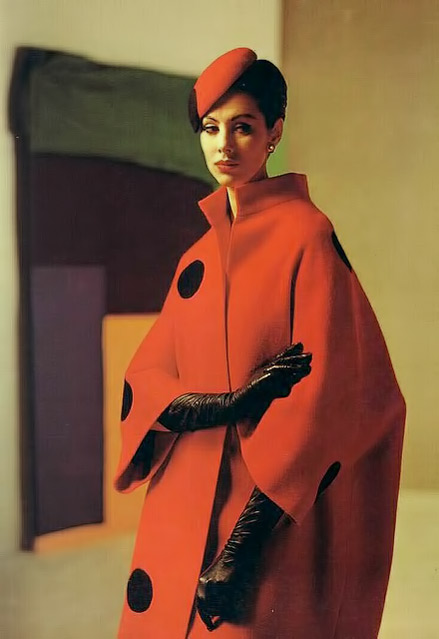 Red-coat-and-beret-by-Pierre-Balmain,-1961