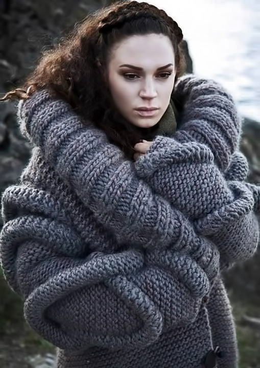 Sculptural-Knitwear---sculpted-knit-design-with-mixed-3D-textures;-volume-fashion-Hege-Midtun-Larsen