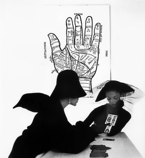 The-Tarot-Reader----Jean-Patchett-and-Bridget-Tichenor---photo-by-Irving-Penn--New-York--1949